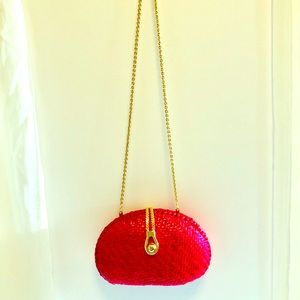 Vintage Willow Red Woven Purse With Gold Chain.